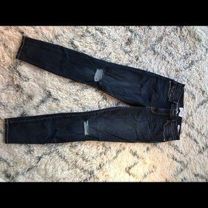 Frame Denim skinny de Jeanne ripped knee style